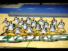 simple dance with lots of ripples More - Gina Frensko - Photo Cheerleading Moves, Cheer Tryouts, Football Cheer, Cheer Coaches, Cheer Stunts, Competitive Cheerleading, Gymnastics, Basketball Cheers, Cheer Music