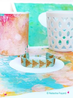 Mint & gold graphic woven bracelet - Micro macrame and miyuki delica weaving - Graphic patterns. © Natach Fayard #bracelet #set #macrame #MicroMacrame #mint #pastel #gold #miyuki #delica #delicas #graphic #arrow #triangle #ArrowHead