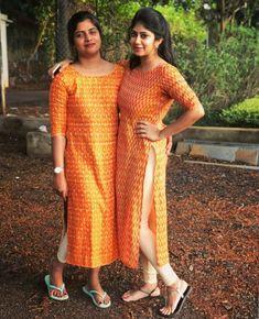 Aarthi Arunkumar's media statistics and analytics Kurti Patterns, Designer Blouse Patterns, Designer Dresses, Kalamkari Dresses, Ikkat Dresses, Kalamkari Kurta, Churidar Designs, Kurta Designs Women, Dress Neck Designs
