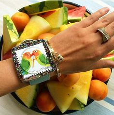 Faites le plein de couleurs... et de fruits avec cette montre Stamps ;)  https://www.avecpassion.fr/50-montres-stamps-montre-fantaisie