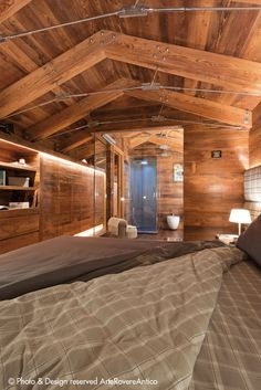 Arte Rovere Antico - Photo by Duilio Beltramone for Sgsm.it - Casa Gandi - Courmayeur Italy - Bedroom - Wood Interior Design