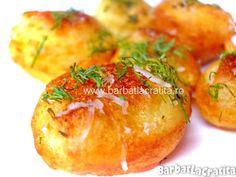 Crochete de cartofi cu branza Baked Potato, Food And Drink, Potatoes, Vegetarian, Bread, Baking, Romania, Ethnic Recipes, Salads