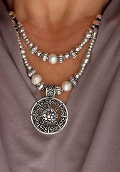 Pearl Jewelry Silver plated Necklace Uno de 50 Layered