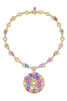 Bulgari  High-jewellery necklace in yellow gold with 32 pear-shaped 43.78 carat fancy sapphires, 429 round-cut 6.77 carat pavé diamonds, and one round brilliant-cut 0.16 carat diamond.