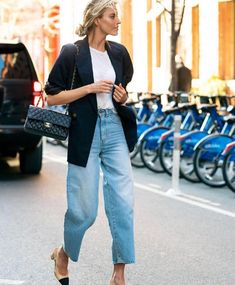 Classy denim and blazer style Jacket Outfit, Denim Outfit, Legging Outfits, Shirt Outfit, Minimalist Outfit, Minimalist Fashion, Jean Outfits, Fall Outfits, Casual Outfits