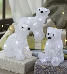 LED-Lighted Polar Bear Cub