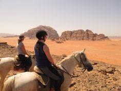 Randonnée équestre dans les paysages magiques du désert du Wadirum