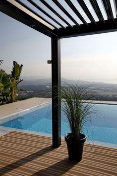 auvent de terrasse aluminium pour votre piscine design interieur et r novation pinterest. Black Bedroom Furniture Sets. Home Design Ideas