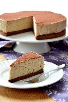 Gesztenyekrémtorta Sweet Desserts, No Bake Desserts, Sweet Recipes, Hungarian Desserts, Hungarian Recipes, Sweet Cookies, Sweets Cake, Healthy Cake, Homemade Cakes