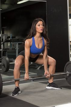 When it comes to building a lower body as strong and capable as it looks, the hips dont lie. But, the idea that machines are the best way to work them? Yup, thats a lie. Fit Girls Images, Girls With Abs, Thigh Exercises, Thigh Workouts, Hip Stretches, Bodybuilding Diet, Fit Girl Motivation, Yoga, Sport