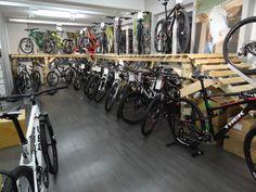 Citybike, Rennrad, Mountainbike, Cruiser oder E-Bike - unser Trail hält für jeden Fahrspaß das passende Bike bereit! Kommt vorbei und überzeugt euch selbst ;-)