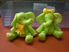 Boy and girl fondant elephant tutorial.
