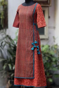 front panel flap dress - red ridges & the faraway star Churidar Designs, Kurta Designs Women, Kurti Neck Designs, Blouse Designs, Iranian Women Fashion, Indian Fashion, Kurtha Designs, Colar Fashion, Cotton Long Dress