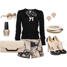 Navy & Cream - Fashion