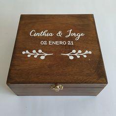 Caja para lazo Grande   Letrerosparaboda Grande, Diy And Crafts, Weddings, Boxes, Wedding Decoration, Wedding Lasso, Religious Wedding, Wooden Signs, Special Events