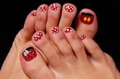 Mickey and Minnie (Scott Atwood) Tags: feet toes disney mickey nails pedicure minnie minniemouse nailpolish mickymouse nailart toenailpolish tonails toenailart