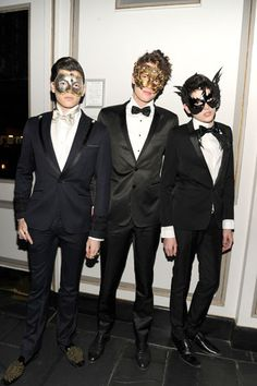 Brant boys, Dylan, Peter, Jr., and Harry (sons of art collector Peter Brant and legendary supermodel Stephanie Seymour) new young things of New York apparently know their way around Fred Laighton.