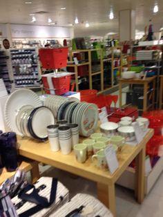 John Lewis - London - Homewares - Home - Cook & Dine - Cookshop - Lifestyle - Visual Merchandising - Layout - Landscape - www.clearretailgroup.eu John Lewis Home, Kitchen Cart, Visual Merchandising, Layout, Dining, Display, Cook, London, Furniture