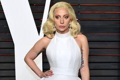 Continúa Lady Gaga en la actuación