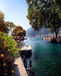 🌟Tante S!fr@ loves this📌🌟Little Paradise Riva del Garda / Italy Italy Vacation, Vacation Spots, Italy Travel, Places To Travel, Places To See, Wonderful Places, Beautiful Places, Comer See, Riva Del Garda