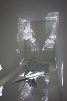 Throughout Suzy Poling's solo exhibition at CULT Design Set, Light Art Installation, Art Installations, Instalation Art, Reflection Art, Crystal System, Magazine Art, Sculpture Art, Glass Art