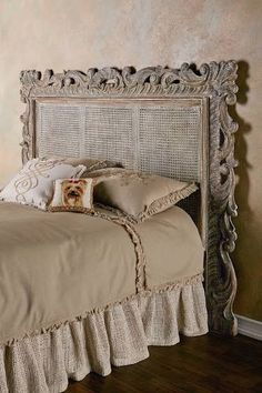 Exceptional Donu0027t Know About A Mirrored Headboard, But I Like Different | Sweet Dreams  | Pinterest | Mirror Mirror, Carved Wood And Bedrooms Great Pictures
