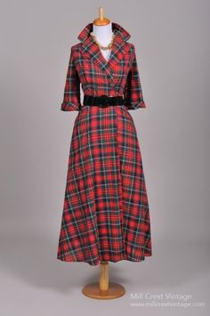 1950's Cotton Plaid Vintage Coat Dress...must have by next Christmas!