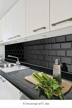 Kitchen mirror Metro tiles faceted tiles Source by fliesenprofilucasgmbh Metro Tiles Kitchen, Kitchen Wall Tiles, Kitchen Redo, Kitchen Layout, Home Decor Kitchen, Kitchen Living, Kitchen Backsplash, Kitchen Interior, Kitchen Remodel