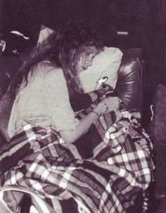 Stevie Nicks napping during Tusk tour 79 Stevie Nicks Lindsey Buckingham, Buckingham Nicks, Stephanie Lynn, Stevie Nicks Fleetwood Mac, My Sun And Stars, Female Singers, Rock And Roll, People, Violin Sheet