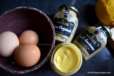 MAYO RECIPE 3 raw yolks 3 teaspoons with mustard tip ½ teaspoon of salt 200 to 250 ml of sunflower oil optional 1 lemon juice spoon Romanian Food, Vinaigrette, Spice Things Up, Spices, Food And Drink, Cooking Recipes, Ice Cream, Eggs, Breakfast