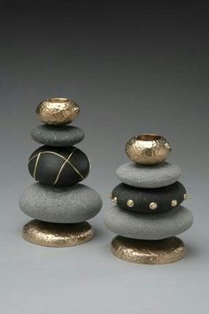 DIY: 20 ideas to make yourself to integrate pebbles to your decor!DIY: 20 Ideen, um Kieselsteine ​​in Ihr Dekor zu integrieren!Stacked painted stones for upscale zen lookstacked painted rocks - could make a cool chess set!Telenor E-post :: Vi fan Stone Crafts, Rock Crafts, Arts And Crafts, Diy Crafts, Creative Crafts, Yarn Crafts, Decor Crafts, Paper Crafts, Nature Crafts