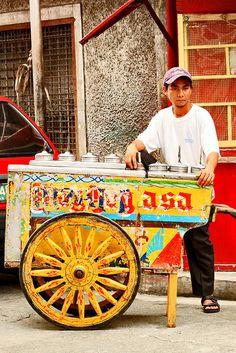 mamang sorbetero | Mamang Sorbetero Philippines People, Philippines Culture, Filipino Art, Filipino Culture, Pi Art, Filipino Architecture, President Of The Philippines, Philippine Holidays, Jeepney