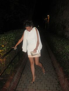 billur saatci, off ne giysem, #whitedress