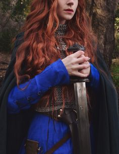 fox **please do not… – Kriegerin ig: roux.fox ** bitte nicht … This image has get. Warrior Queen, Warrior Princess, Female Knight, Badass Women, Female Characters, Costume Design, Red Hair, Redheads, Character Inspiration