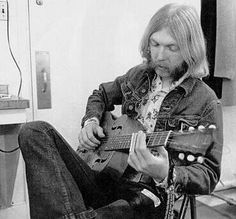 """""""I love being alive and I will be the best man I possibly can. I will take love wherever I find it and offer it to everyone who will take it.. seek knowledge from those wiser and teach those who wish to learn from me""""-Duane Allman"""