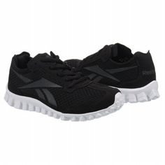 Reebok Real Flex....I LOVE THESE SHOES! I have suffered foot pain for around 3 years. Since switching to these running shoes, I honestly have had NO foot pain.  recommend these