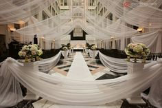 Jennifer Childress Photography   Wedding   Atrium at the Curtis Center   Philadelphia, PA   Loews Hotel   Cescaphe Events Group     www.jennchildress.com