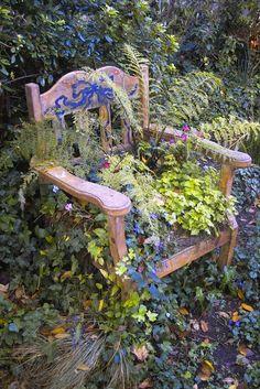 photo of upcycled garden art Garden Chairs, Garden Planters, Potted Garden, Garden Seat, Unique Gardens, Beautiful Gardens, Jardin Decor, Chair Planter, My Secret Garden