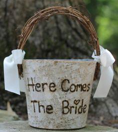 Birch rustic flower girl basket #weddingceremony #rusticwedding #flowergirl #birch #weddingideas