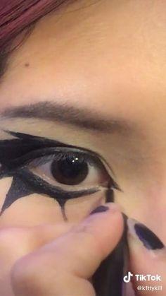 Punk Makeup, Gothic Makeup, Grunge Makeup, Eye Makeup Art, No Eyeliner Makeup, Makeup Inspo, Emo Eyeliner, Maquillage Goth, Makeup Ideas