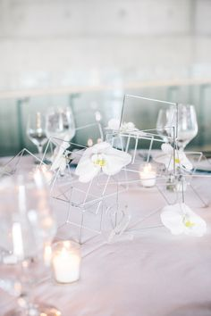 RSVP created this modern and creative tablescape for Michelle and Eric's reception. #loveit #tablescape #geometric #simple