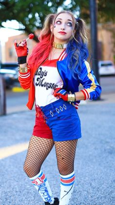 Teen Costume Ideas - Harley Quinn Costume - Easy Costumes for Halloween - Cheap DIY Costumes for Teens - Scary, Spooky, Ideas for Couples, Groups and Halloween Costumes For Teens Girls, Couples Halloween, Harley Quinn Halloween Costume, Best Friend Halloween Costumes, Hallowen Costume, Celebrity Halloween Costumes, Halloween Outfits, Costumes For Women, Halloween College
