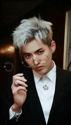 Read No shame he's my babe from the story KPOP WALLPAPERS by QueenJin (House of Hoes) with 451 reads. Baekhyun, Sehun Oh, Luhan And Kris, Park Chanyeol, Kris Wu, Korean Boy, Exo Korean, Korean Dramas, Korean Style