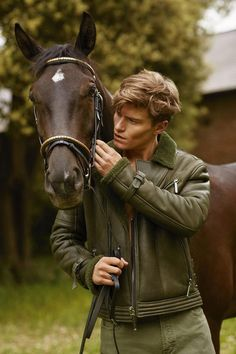 Oliver Cheshire for GQ Style Russia by Arnaldo Anaya Lucca – Country Riding Wear & Equestrian Home decor – Men Gq Style, Man On Horse, Horse Girl, Cute Country Boys, Cute Boys, Country Décor, Country Wear, Oliver Cheshire, Foto Glamour