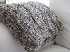 Chunky throw blanket hand spun & knitted wool by tricotaria