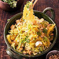 Spaghetti-Squash Pad Thai Nutrition: 343 calories, 20g protein, 25g carb, 20 g fat, 5g fiber, 707mg sodium