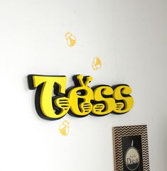 Prénom TESS thème abeille - prénom thème abeille - abeille - prénom personnalisé- grand prénom en bois - mylittledecor : Décoration pour enfants par…