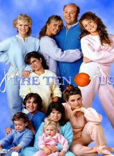 Un toit pour dix (Just the Ten of Us) est une série télévisée américaine en 47 épisodes de 25 minutes, créée par Steve Marshall et Dan Guntzelman et diffusée entre le 26 avril 1988 et le 27 juillet 1990 sur le réseau ABC. C'est une série dérivée de Quoi de neuf docteur ? (Growing Pains). En France, seuls 24 épisodes ont été doublés en français et diffusés à partir du 18 mai 1990 dans l'émission Giga sur Antenne 2. Rediffusion du 22 juillet 1996 au 22 août 1996 sur France 2.