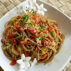 Sesame Noodle Salad, Sesame Noodles, Rice Noodles, Vegetarian Recipes, Cooking Recipes, Healthy Recipes, Vegetarian Lunch, Cooking Ideas, Cooking Time