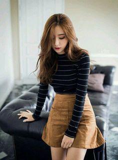 Korean fashion - 10 outfits coreanos con falda que te van a encantar – Korean fashion Korean Skirt Outfits, Korean Casual Outfits, Mode Outfits, Fall Outfits, Winter Outfits With Skirts, Casual Autumn Outfits Women, Korean Dress, Chic Outfits, Asian Fashion